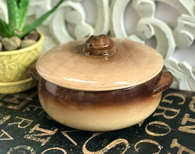 1940s McCoy Covered Casserole in Ombré Browns, casserole with lid, war time pottery, vintage kitchen, farmhouse, country, McCoy collector