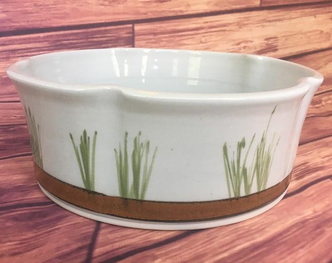 Elizabeth Krome Pottery. Lovely Hand Thrown Bowl, fruit bowl, dog bowl, table decor, open casserole dish, ceramic bowl, porcelain bowl