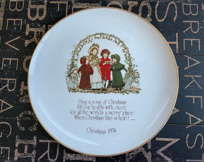 Holly Hobbie 1974 Porcelain Sing a Song of Christmas Collectible Plate, commemorative edition, Made in Japan, gift for mom, holiday decor