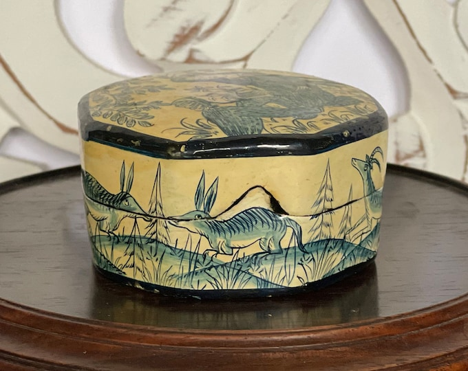 Ali Brothers Vintage Lacquer Octagon Box Hassanabad Rainawari Srinagar Kashmir India No 1834, ring box, trinket box, blue, white, black