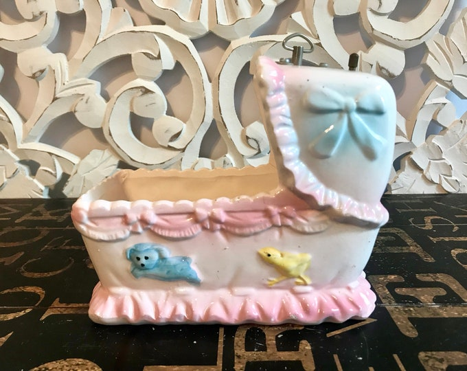 Vintage Ceramic Musical Baby Bassinet Planter Nancy Pew Giftwares Co, Nursery decor, baby shower decor, new baby gift, music box planter