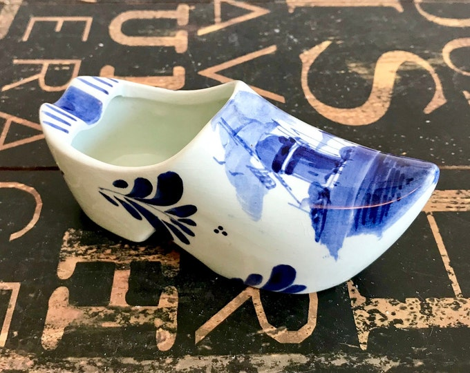 Vintage Delft Blue Ceramic Dutch Shoe Clog Ashtray, Made in Holland, Cobalt Blue, white, Tobacciana,  tiny, windmill,