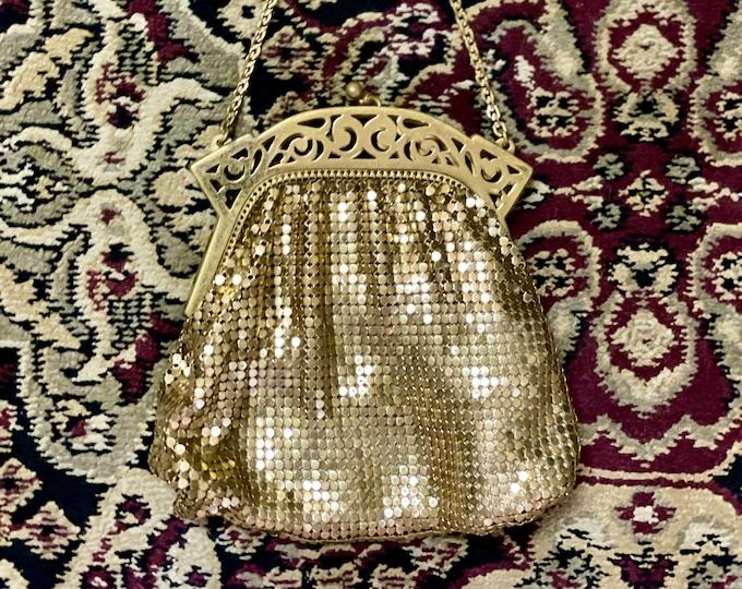 Elegant Vintage Whiting Davis Gold Mesh Evening Bag w filigree closure, Whiting David handbag, Circa 1950s, wedding purse, bride's purse