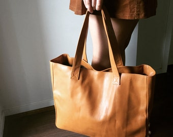 Tan soft leather tote bag. Free Ship. Classic shoulder tote bag.Traditional style,handmade with strong shoulder straps.Brown leather tote