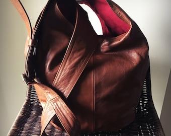 5a37925bc0b2 Hobo leather bag