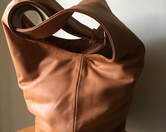 495f5f4b6f Soft leather bag