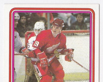 6c3104cb229 Steve Yzerman Rookie 1984   85 Topps  49 Hockey Card - Detroit Red Wings