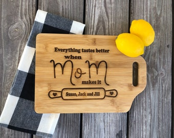 Personalized cutting board for mom, mom gift, mothers day gift, grandmother gift, gift for mom, father's day gift, grandfather gift