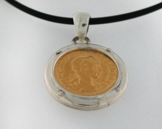 Silver pendant 925th with ROMANA MONETA in gold silver