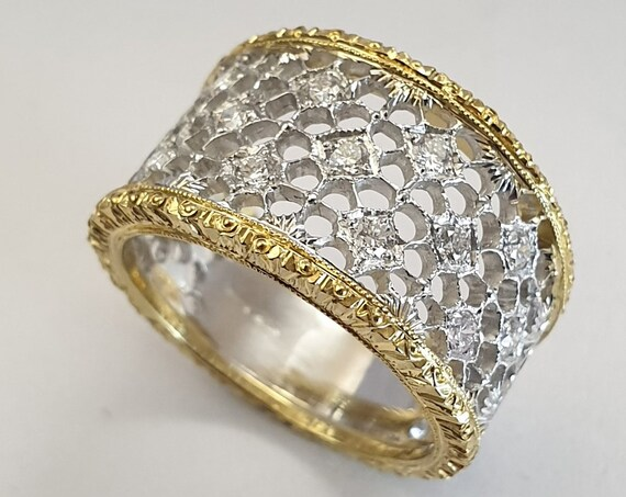 Florentine Style Band Ring in Gold 750th with Brilliants