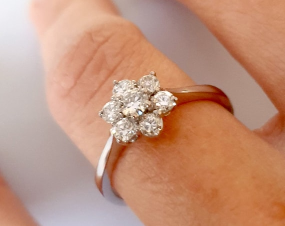 """""""Margherita"""" ring in 18kt gold and Brilliant tot. Ct. 0,47"""
