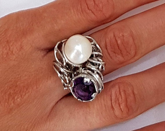 Silver 925th ring with freshwater pearl and Amethyst