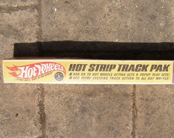 "2 Vintage Mattel Hot Wheels Track ""Hot Strip Pak"" 1967 with Boxes"