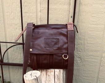 cbf751093 Gently used dark brown leather Fossil shoulder or cross-body organizational  bag with extra pockets for use as carry on or travel bag