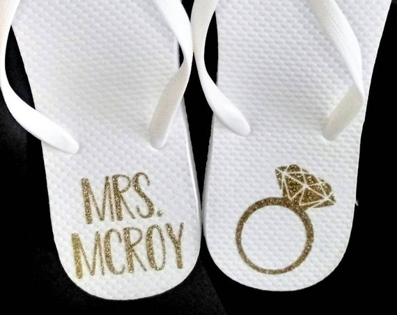 Bride Flip Flops - Bride Slippers - Bridesmaid Gifts - Personalized Flip Flops - Mrs. Slippers