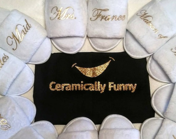 Bridesmaid Slippers - Personalized Slippers - Bride Slippers - Quality Rubber Soles - Open Toe Vegas Gold Font - Slippers - Hen Slippers