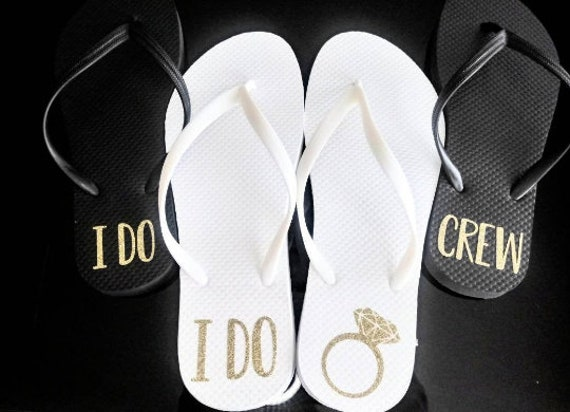 I do crew - Bridesmaid Flip Flops - Bride Slippers - Bridesmaid Gifts - Personalized Flip Flops - Monogrammed Flip Flops