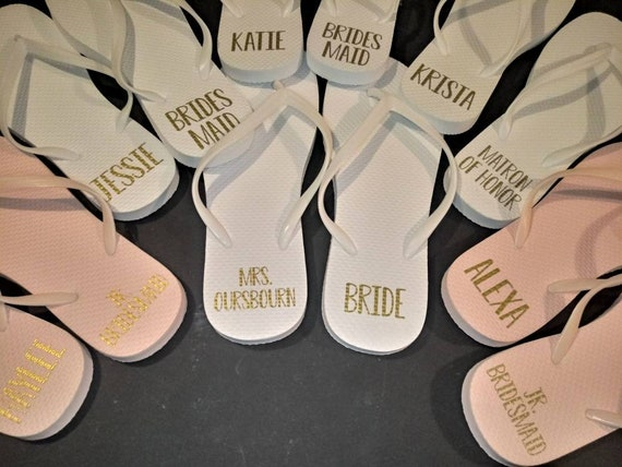 Bridesmaid Flip Flops - Bride Slippers - Bridesmaid Gifts - Personalized Flip Flops - Monogrammed Flip Flops