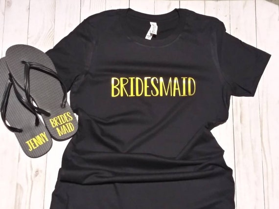 Flip Flops and T-Shirt Set - Bridesmaid Flip Flops - Bridesmaid Shirts - Bride Shirts - Bridesmaid Gift Set - Spring  or Summer Wedding