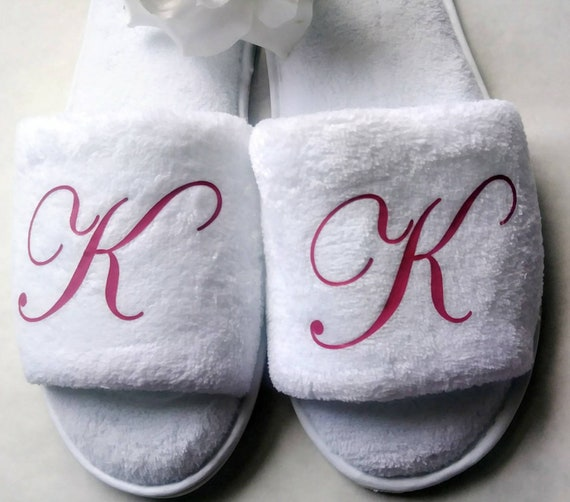 Personalized Slippers- Monogrammed Slippers - Custom Slippers - Bridesmaid Gift - Slippers - Girls Trip Gift - Bridesmaid Initials Pink Font