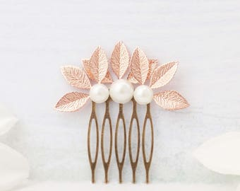 Rose gold and your choice of white or ivory pearls. Rose gold pearl hair clip. Rose gold barrette