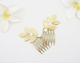 Choose silver, gold or rose gold leaf hair combs. Set of 2 small dainty bridal hair clips. Grecian laurel leaf hairpins. Wedding hairpiece.