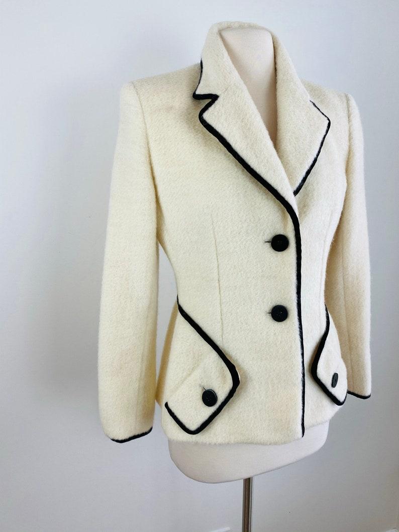 Black Trim Tailored Fitted Blazer Jacket S M Vintage BILL BLASS Classic White