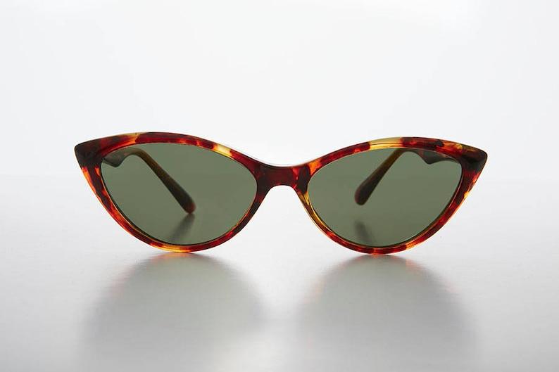 ba4664302f Pointy Tip Cat Eye Sunglass 1950s Retro Style   Optical