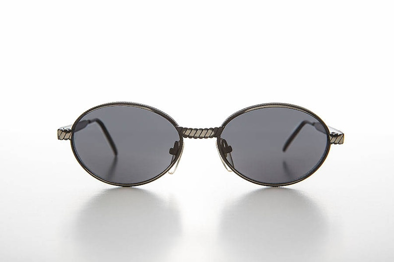 13ac1415aa Ovale des années 90 Vintage lunettes de soleil avec la | Etsy