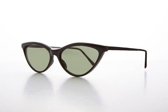 17c4c2c6fb 90s Thin Pointed Tip Classic Women s Cat Eye Sunglass