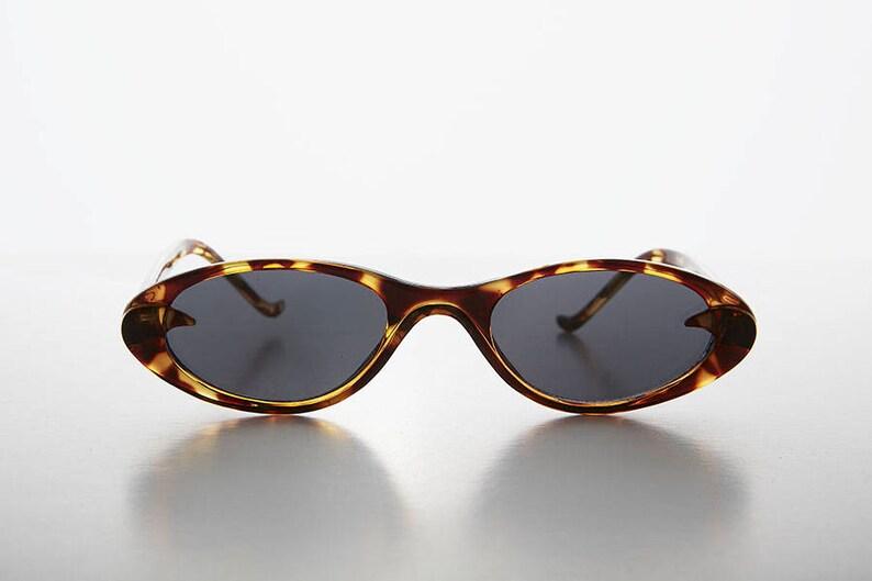6377906e04 Slim Small Frame Oval Retro Cat Eye Sunglass Selena