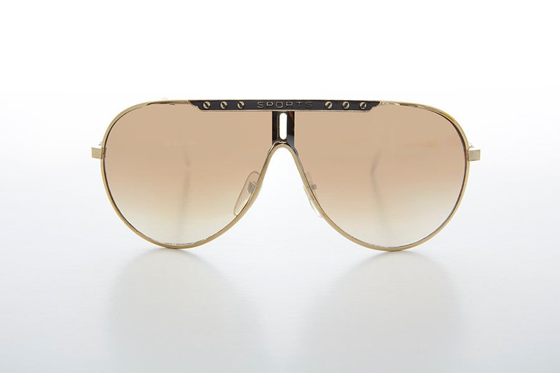 6e101c937ea1 Sports Gold Vintage 80s Aviator Sunglass with Gradient Flash