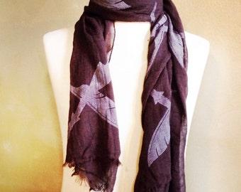 Vrede unisex scarve met lichte rand.