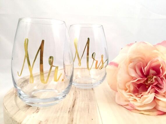 Mr & Mrs Gold Printed Stemless Wine Glass Set