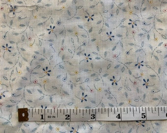 Rural Estate Quilter/'s Stash Winner Winner Chicken Dinner Vintage 1980/'s Gray Coral Ivory Floral Check Cotton Blend Fabric FQ Dolls Baby