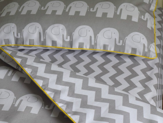 COTTON Cot Bed Duvet Cover Set /& Fitted Sheet Grey Chevron Elephants nursery
