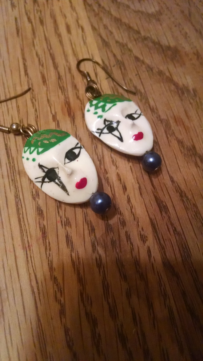 Mardi Gras Earrings Red,Black Jewelry,Painted Glass Mask Earrings Accessories Mardi Gras Mask Earrings Whie /& Green Gifts Under 20.00