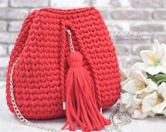 Crochet Pattern & How To: Reversible Crochet Red Bucket Bag Basket bag t-shirt yarn