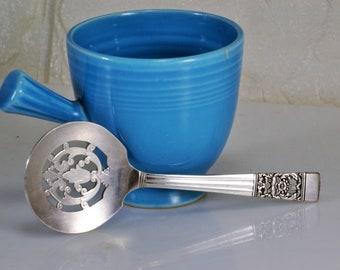Bon Bon Spoon Pierced Silver Plate Community Coronation Pattern 1936 Oneida Serving Ware
