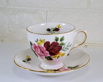 Teacup Red Rose Pattern Queen Anne England with Matching Saucer Bone China Garden Party Downton Abbey Shabby Cottage Chic