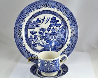 Blue Willow China Churchill England in Original Box - 3 Piece Set -  Dinner Plate Cup Saucer - Blue White Decor Classic