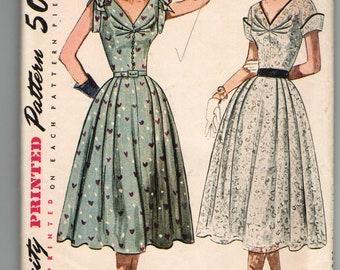 Vintage 1951 Simplicity 8397 V-neck Dress