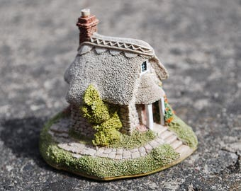 Lilliput Lane Wheyside Cottage Vintage English Collection, miniature house,  tiny hose home decor | Vintage items | made in England |