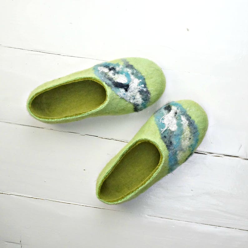 ca84cbcfc71e0 Felted slippers, Home slippers, Valenki, Green slippers, Slippers women,  Warm slippers, Bedroom slippers, Very comfortable house shoes