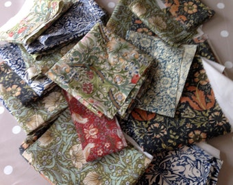 William Morris fabric remnants, 150g bundle of cottons with various  prints and sizes