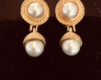 Vintage Gold Designer Richelieu Drop Pearl Post Earring