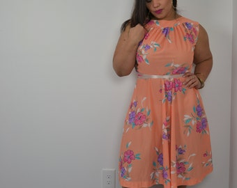 70s/80s Peach Floral Capped Sleeve Dress Full Skirt Fit and Flare Floral Dress Summer Dress Vintage Florals 9/10