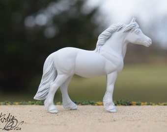 Custom Portrait Model of Your Real or Dream Horse, Stablemate Scale Standing Pony, Body #15 (Breyer)