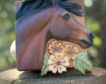 Custom/CM Cast Resin Horse Medallion/Plaque in Bay with Flowers