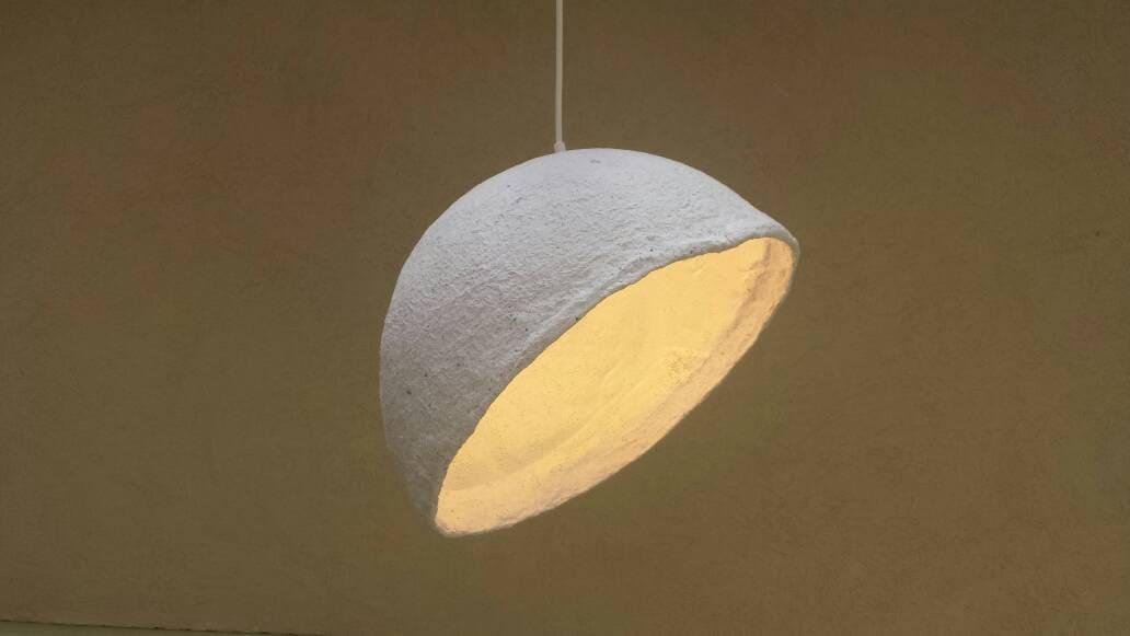 Lampadario Di Cartapesta : Lampade di carta pesta ciondolo paralume papier mache etsy